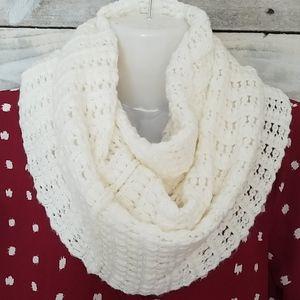 VICTORIA SECRET Knit Scarf